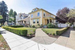 1221 Grand Ave Alameda, CA 94501 Represented Buyer: $1,540,000